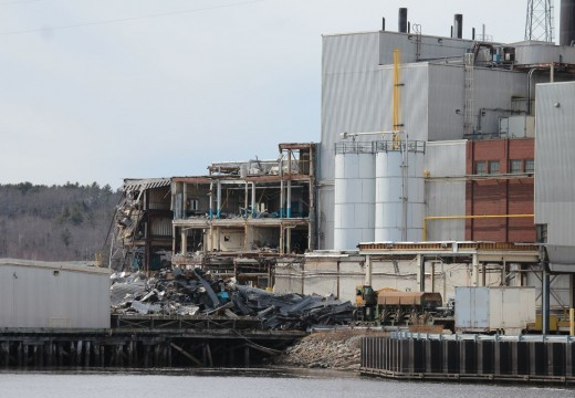 New contractor sought for Bucksport mill demolition