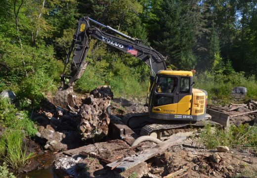 Crews begin removing Wight Pond dam