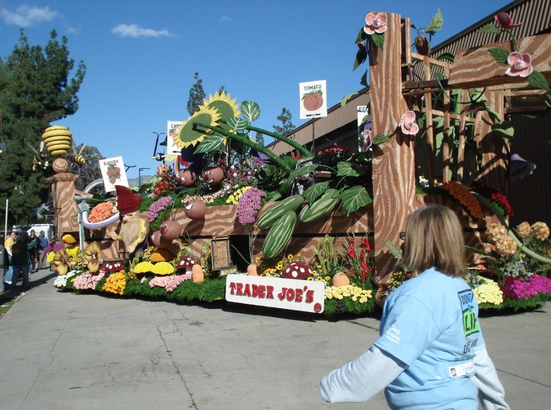 Decorating Behind The Scenes For The Rose Parade The Ellsworth