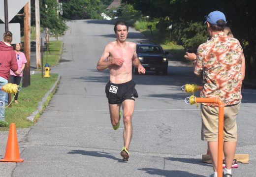 McCarthy tops field to win Tour du Lac 10-Mile Road Race